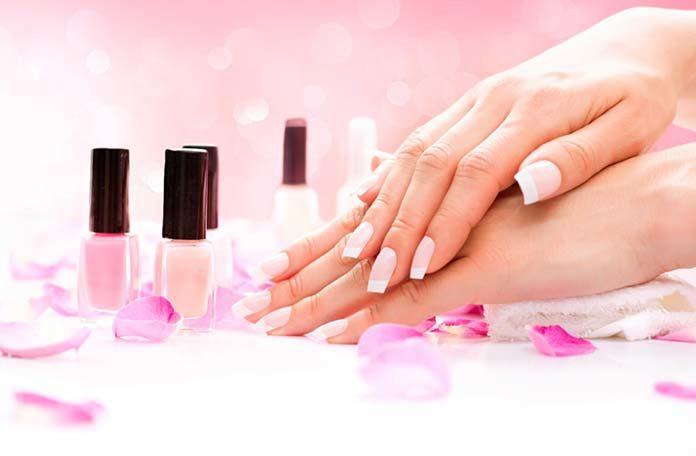 Manicure hybrydowy - wszystko co warto o nim wiedzieć!